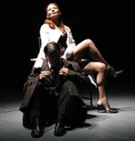 """2011 - Partecipazione delle allieve Vittoria Fantini e Chiara Trivelloni allo Spettacolo """"Il Processo"""" di Frank Kafka presso Teatro Il Vascello Roma"""